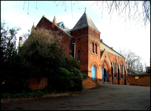 Ipswich St Clement's Congregational: a red brick landmark
